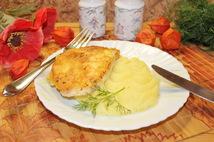 Курица в кляре  с картофельным пюре (250 гр)