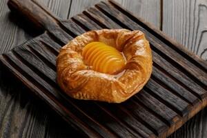 Дениш с персиком (425 гр.)