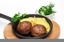 Котлеты  по-домашнему с картофельным пюре(250гр.)